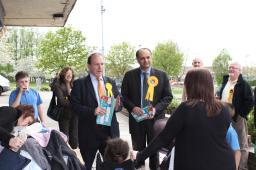 Simon Hughes with Parmjit Gill on the exchange in Eyres Monsell